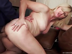 Curvy mature fucked doggystyle by a big cock tubes