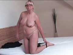 Glasses look sexy on solo masturbating mature tubes