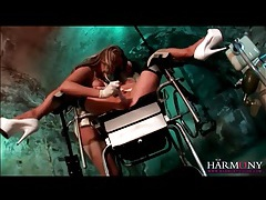 Kinky latex ladies suck his dic in the basement tubes