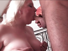 Chubby blonde gives an erotic blowjob tubes