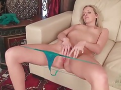 Skinny blonde with tiny titties masturbates pussy tubes