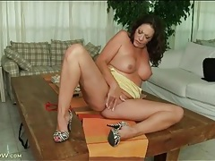 Brunette with a big ass masturbates cunt tubes