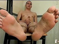 Cute shaved head guy models soft feet tubes
