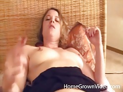 Pov amateur sex with a cumshot on her leg tubes