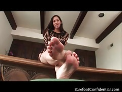 Isis love teases her sexy feet and talks to you tubes