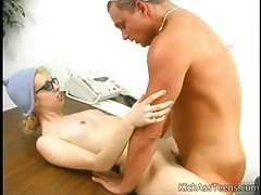 Teen on a desk fucked in her slippery pussy tubes