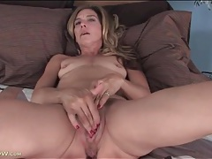 Mom with tiny tits masturbates her hot cunt tubes