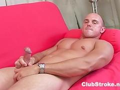 Muscular straight guy dan masturbating tubes