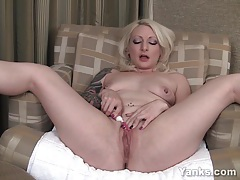 Sweet blonde olivia toying her pussy tubes
