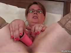 Mature masturbates watching young couple fool around tubes
