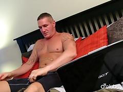 Muscular straight guy maverick masturbating tubes