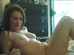Warming up her amateur pussy and fucking her tubes