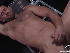 Hottie with hairy chest and beard beats off tubes