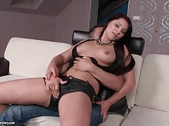 Chick in sexy leather shorts gives a lap dance tubes