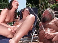 Bikini girls and old guy pissing outdoors tubes