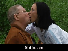 Scandalous old and young fuck in the garden tubes