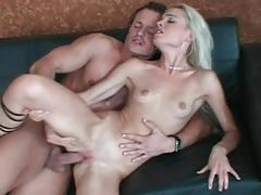 Skinny girl sucks dick and has great hardcore sex tubes