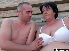 Mature moms getting fucked outdoors tubes
