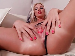 Fake tits and lipstick make blonde girl sexy tubes