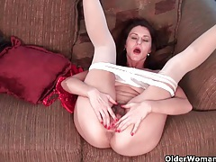 Pantyhosed business milfs jilling off tubes