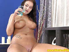 Piss fetish babe masturbates her pussy tubes