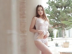 Boyfriend eats out gorgeous girl in lace lingerie tubes