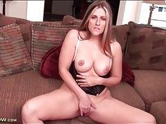 Milf clit and pussy look gorgeous in close up tubes