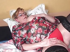 Stockings look sexy on a busty old lady tubes