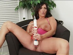 Curvy milf moans and masturbates with a dildo tubes