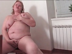 Bbw cleans the kitchen in naked tubes