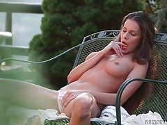 Incredible tits on this masturbating brunette tubes