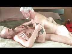 Old gay guy tops the asshole of his lover tubes