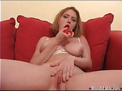 Curvy girl fucks cunt with a big dildo tubes