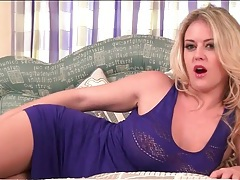 Blonde babe brook little sensually fingers pussy tubes