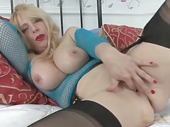 Masturbating milf in lipstick and lingerie tubes