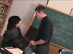 Teacher blows sexy emo boy in classroom tubes