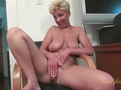 Busty solo mature masturbates bald pussy tubes