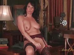 Mom in perfect stockings masturbates solo tubes