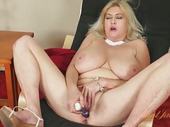 Huge tits mature gets creamy masturbating solo tubes