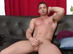 Gorgeously  muscular guy jerks off solo tubes