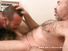 Hairy daddy fuck his muscular mature friend tubes