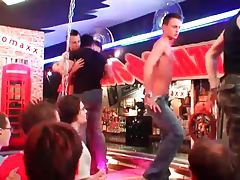 Hot dancing at a gay bar tubes