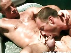 Stud sucks dick and fingers ass in the pool tubes