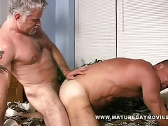 Muscular silverdaddies fucking each other tubes