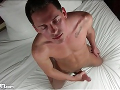 Masturbating hottie plays with his asshole tubes