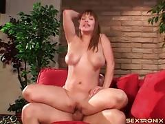 Big bouncing titties on a naughty cock rider tubes