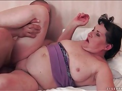 Chubby mature fucked in her pussy tubes