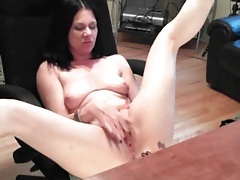 Naked amateur milf masturbates shaved pussy tubes