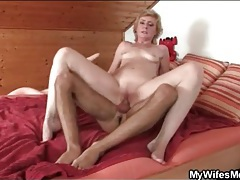 Slender mature slut screwed in wet hole tubes