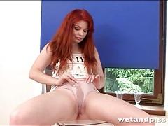 Redhead barbara babeurre pisses her panties tubes